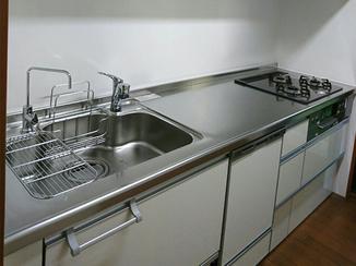 キッチンリフォーム 使い勝手のよくなったキッチンと、断熱性の上がった内窓