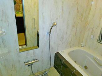 バスルームリフォーム お気に入りの内装で仕上げた、華やぎのある水廻り