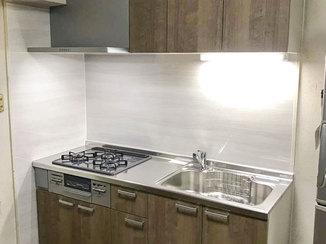 キッチンリフォーム 一新して使いやすくなり、お部屋によく馴染むキッチン