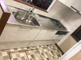 キッチンリフォーム 予算を抑えてもホテルのようにきれいな使いやすいキッチン