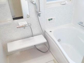 バスルームリフォーム 窓も合わせて工事して暖かくなった浴室