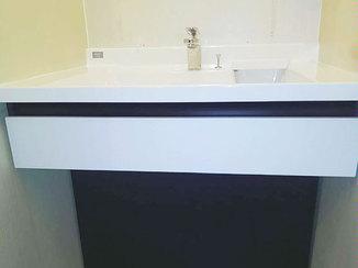 洗面リフォーム 車イスに座ったままでも使いやすい洗面台