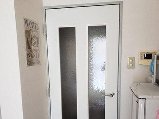 内装リフォーム 枠はそのままに扉のみ取り替えたドア