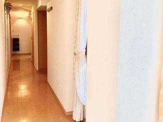 内装リフォーム クロスと床材を一新し、高級感のある明るい室内に