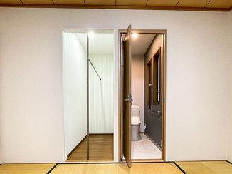 トイレリフォーム 2階に新設したバリアフリーのトイレとウォークインクローゼット