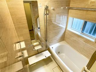 バスルームリフォーム 段差を解消し、寒さ対策をした快適バスルーム